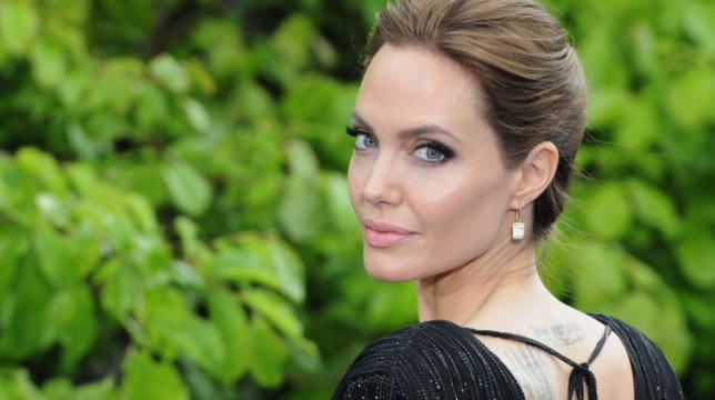 Angelina Jolie Will Return To Acting For Maleficent 2