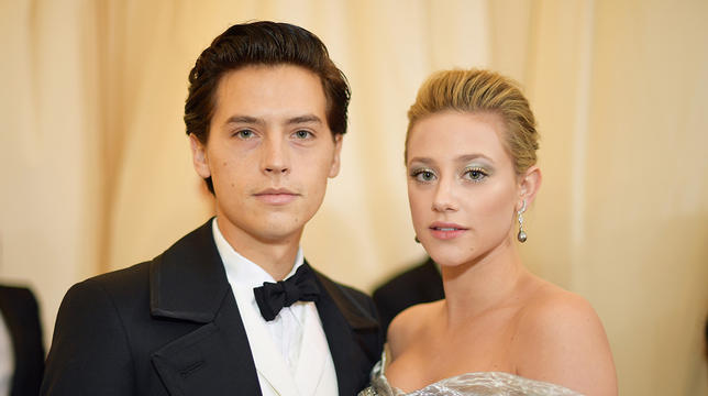 This Photo Of Cole Sprouse And Lili Reinhart *Virtually* Kissing Will Soften Your Frosty Heart thumbnail