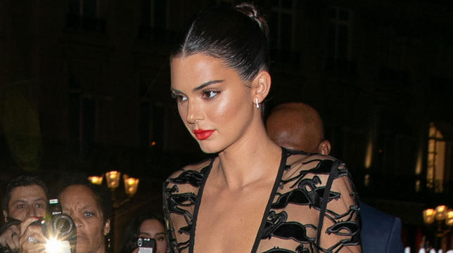 Kendall Jenner Works The Bare Dress Style In Paris Amid Viral Nude Photo Leak thumbnail