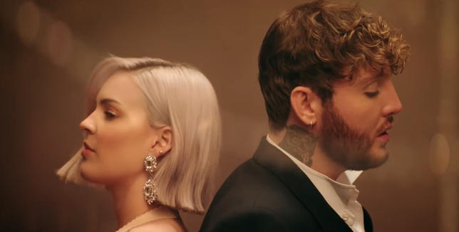Anne-Marie and James Arthur 'Rewrite the Stars' For 'TGS