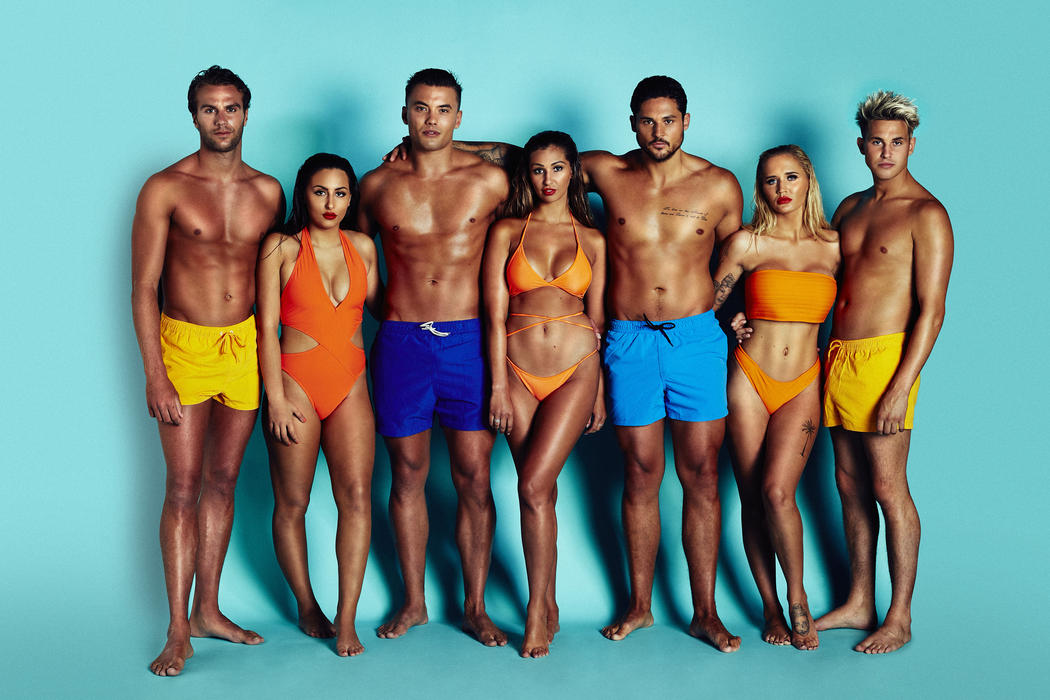ex on the beach star savannah kemplay kissed jeremy mcconnell when
