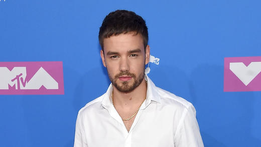 Liam Payne cant stop smiling after going public with