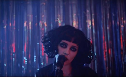 Pale Waves' music video for 'New Year's Eve', 2017