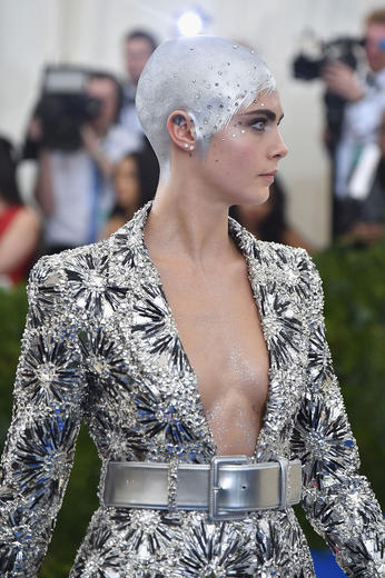 Delevingne S Silver Painted Head