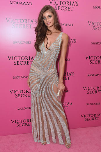 See all the pics of the VS Angel after party outfits for the Victoria's Secret Fashion Show 2017 in Shanghai