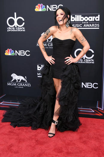 Taylor Swift, Hailey Baldwin and more fashion wins from the Billboard Music Awards 2018