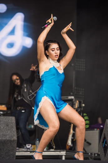 Kali Uchis performing at Lovebox 2018.