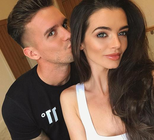 Emma Mcvey Is Fuming At Gaz Beadle After He Got Them Kicked Out During Date Night Mtv Uk