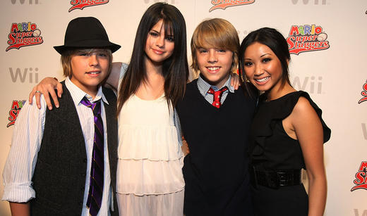 Selena gomez and cole sprouse dating