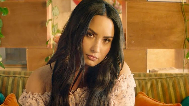 Can demi lovato sex with girls with