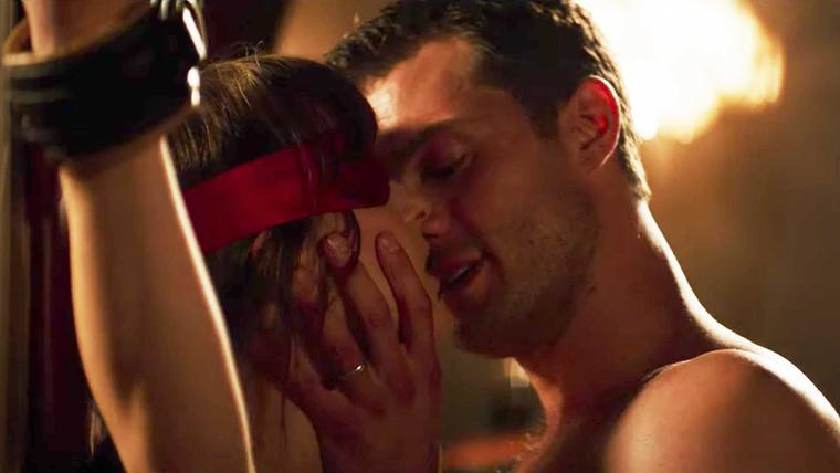 Grey: 25 Raunchy excerpts from E L James' latest arousing book – SheKnows