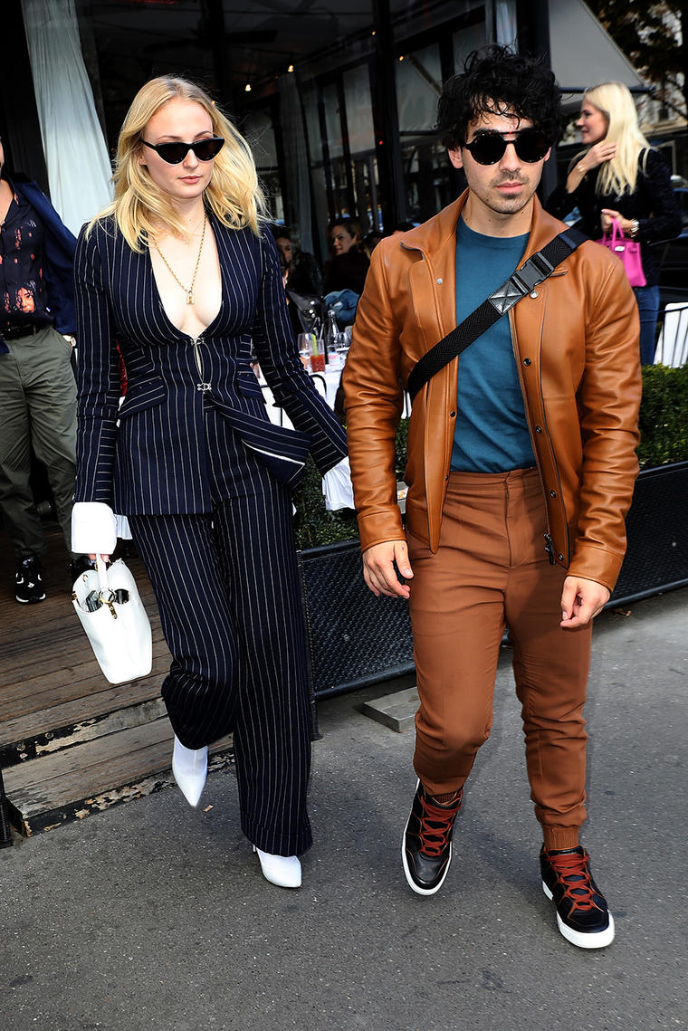 Sophie Turner And Joe Jonas Get Matching Toy Story Tattoos Before Mille Shopia Top Creme Getty