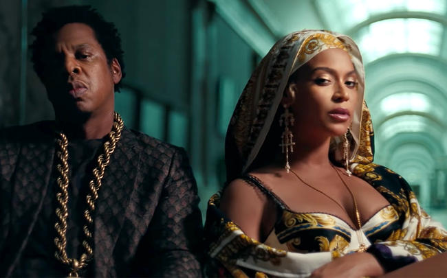Jay-Z and Beyoncé in the Louvre for their 'APES**T' music video