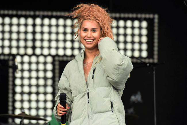 RAYE performs in 2017