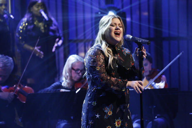 Kelly Clarkson performing on The Tonight Show