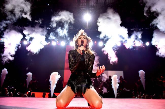 Taylor Swift performing at DIRECTV NOW Super Saturday Night Concert in Houston, Texas