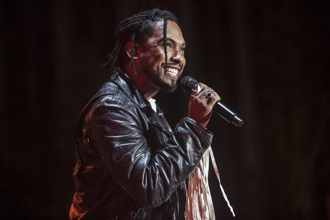 Miguel performing in 2017