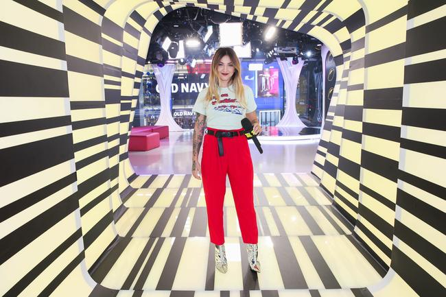Julia Michaels appears on MTV's TRL in 2017