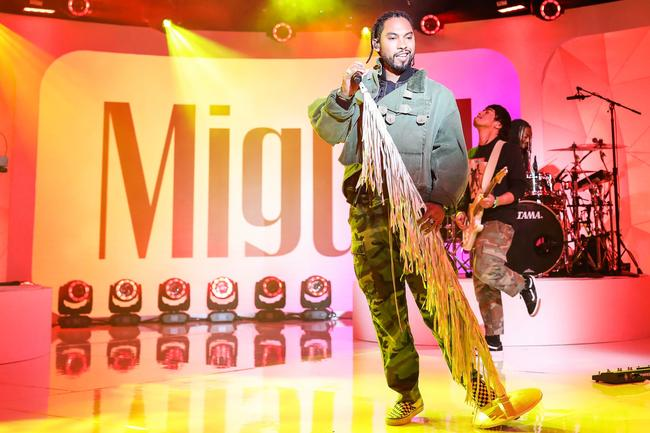 Miguel performs during MTV TRL at MTV Studios on November 29, 2017 in New York City