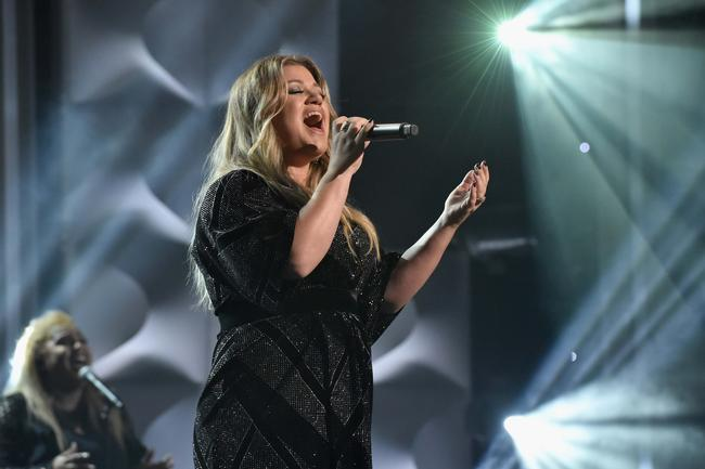 Honoree Kelly Clarkson performs onstage at Billboard Women In Music 2017 at The Ray Dolby Ballroom at Hollywood & Highland Center on November 30, 2017 in Hollywood, California