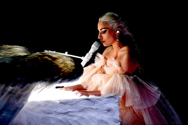 Lady Gaga cancels final ten shows of world tour