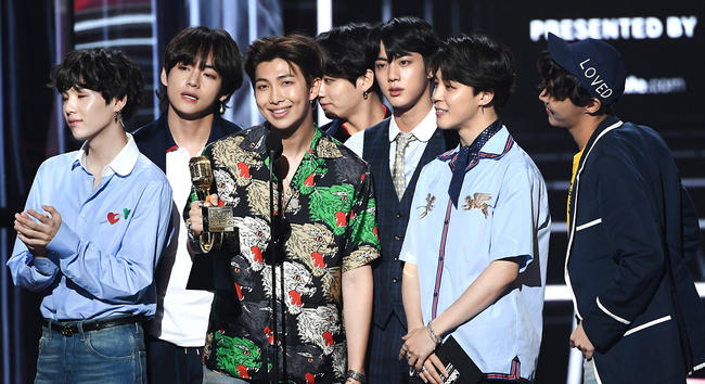All 7 members of BTS at the Billboard Music Awards 2018