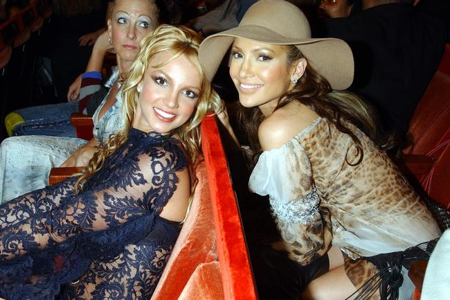 Britney Spears and Jennifer Lopez attend the 2001 MTV Video Music Awards