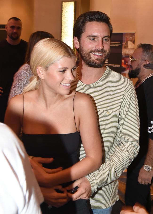 Scott Disick and Sofia Richie looked all kinds of cosy in Miami Beadch.
