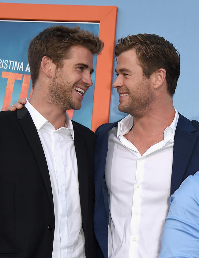 fans of the hemsworth brothers are losing it over how ripped their