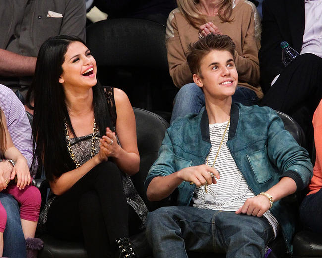 This is Selena Gomez's real reaction to reports about Justin Bieber's engagement