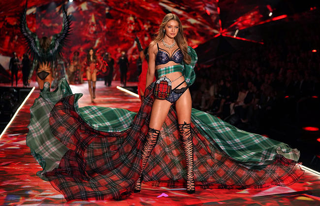 Victoria's Secret boss apologises for comments about transgender models