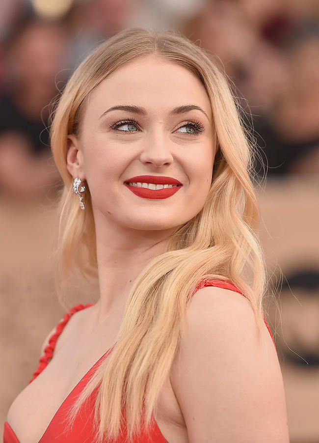 Sophie Turner reveals how Joe Jonas first made a move on her